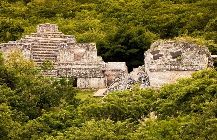 игантский город майя
