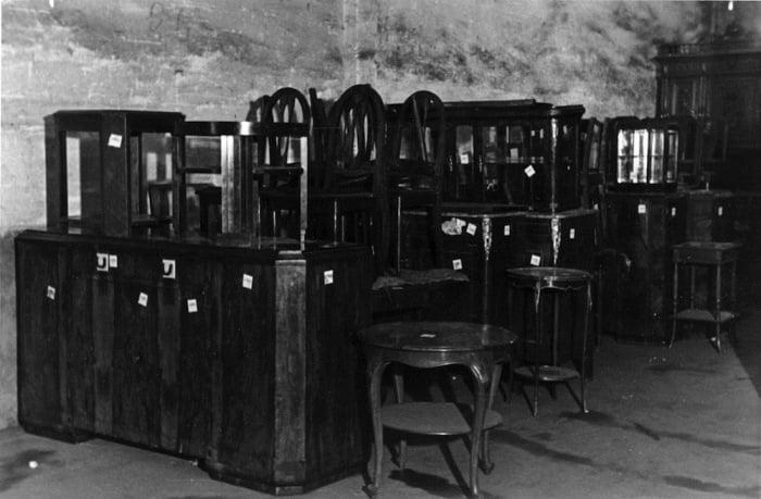 paris occupation 10 Как продавали отобранные у евреев вещи и другие шокирующие факты времен нацистской оккупации Франции