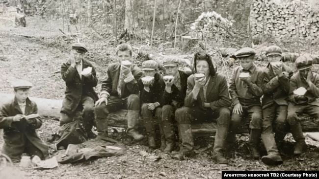 vospitanniki detdoma na lesozagotovke. narymskij kraj. seredina 1930 h gg.