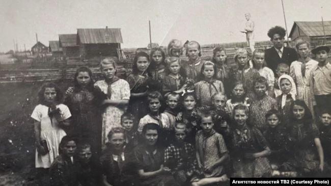 vospitanniki vasyuganskogo detskogo doma. seredina 1930 h gg.