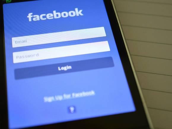 Facebook удалила более 300 российских аккаунтов, связанных с распространением дезинформации о вакцинах от COVID-19
